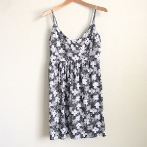 Old Navy V-Neck Floral Dress / Sz L